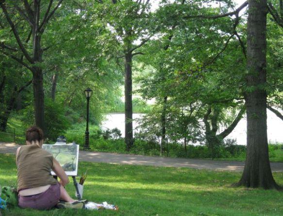 Una noia pintant a  Central Park
